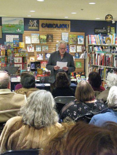 lecture de Jean-Pierre Pelletier, auteur lavallois. Photographie de Béatrice Lange
