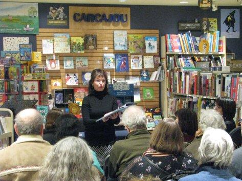 lecture de Roxane Turcotte, autrice invitée des Laurentides. Photographie de Béatrice Lange